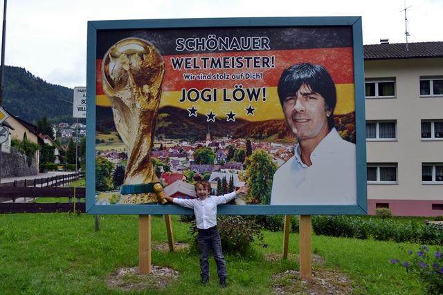 Er will mal Jogi Löw werden. Nicht Nationaltrainer. Jogi Löw.